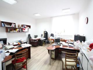 Коммерческое помещение 450 м2, 1 этаж, на первой линии, Кишинев