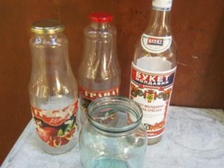 Продам бутылки 1л из под сока и 1л винные.