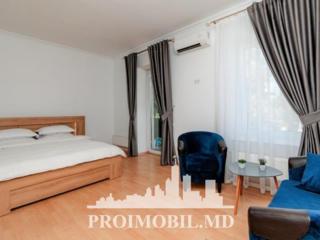 Spre chirie apartament, situat la etajul 3 din 3, Centru, bd. Ștefan .