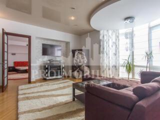 Se oferă spre chirie un apartament SUPERB în sectorul Buiucani. ...