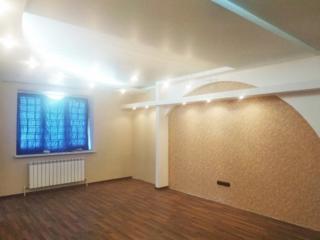 Большая 3-х ком. квартира в Центре, пл. 95 кв., кухня 21 кв. м, евроремонт