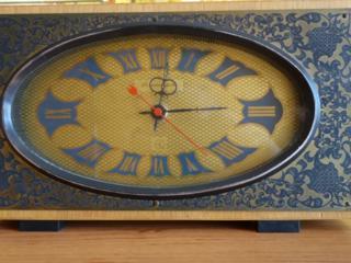 Продам часы Янтарь и Чайка, в рабочем состоянии.