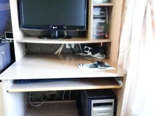 Компьютерный стол и Тумба для телевизора