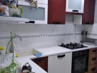 Срочно!!! 2- комнатная квартира,, с евроремонтом, мебелью и техникой