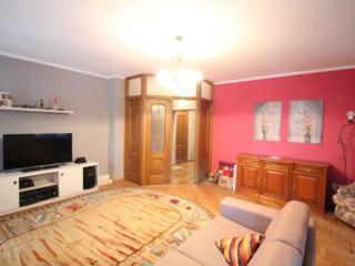 For rent! Apartament 135 m2 după Parlament! Chirie termen lung!