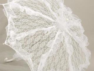 Белый кружевной зонт для невесты, прокат.
