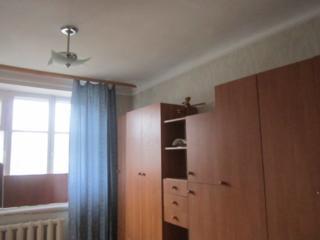 1 комнатная центр с мебелью и с гаражом во дворе ул. Ленина