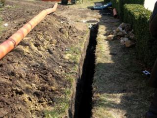 Копаем канализации траншей доставка бетонных колец водопровод канализации