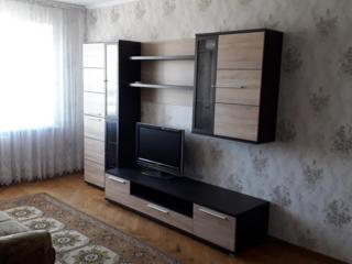 Сдам 2-комнатную квартиру с евроремонтом в центре Чекан