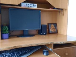 Продам Компьютерный стол с полкой