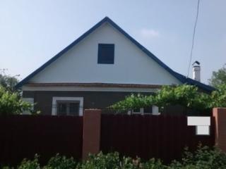 Продается каменный дом с 4 комнатами, все удобства в доме.