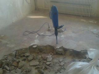 Стяжка пола демонтаж старых бетонных полов.