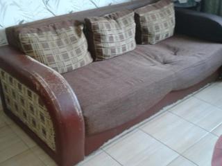 Продаю диван 2-х спальный еврокнижка б/у за 300 грн р-н Сухого Фонтана
