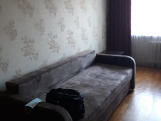 Inchiriez apartament cu doua odai la Riscani 200euro