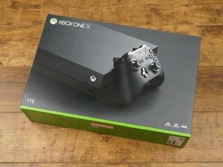 Xbox One X 1TB nou