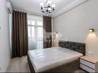 Chirie apartament 1 cameră + living, situat la etajul 9/14 în ...