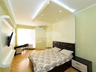 Se oferă spre chirie apartament cu 1 cameră + living în bloc nou. ...