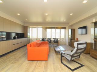 Spre chirie apartament spațios cu 3 camere situat în bloc nou. ...