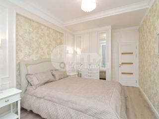 Vă propunem spre închiriere apartament superb cu 3 camere. ...