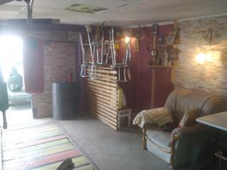 Продам гараж 6x5 с пристройкой 5х4 новой баней, с предбанником, с барн