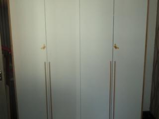 Dulap modern nou, încăpător si calitativ. Dimensiuni: 2,00 - 2,20.
