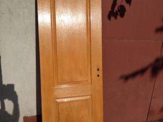Дверь с коробкой наличниками
