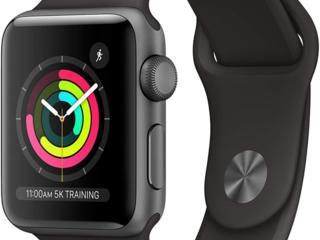 Apple Watch 3 42mm отличные, в упаковке