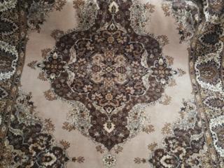 Продам б/у ковёр в отличном состоянии