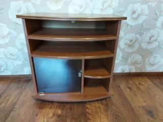Продается тумбочка под телевизор