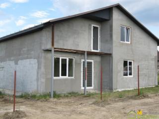 1,5-эт. новый дом, 160 м2 на 4 сотках, сел. Чореску, 300 м от трассы