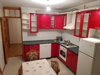 Chirie apartament cu 3 camere Botanica - 270 euro.