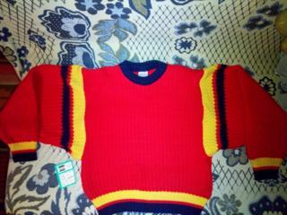Пуловер для девочки на 6-7 лет (Германия), размер XS