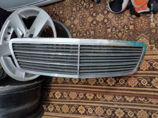 Декоративная решетка радиатора Mercedes w203