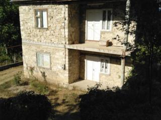 Продаю двухэтажный дом в г. Григориополь, 15 соток.