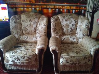 Продам два новых кресла