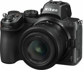 Nikon Z 5 + 24-50mm f/4-6.3 + FTZ / VOA040K003 /