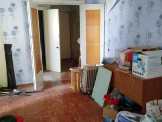 Продается 3-комнатная квартира в Слободзее под ремонт 4/5