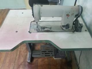 Промышленные швейные машины, оверлок Juki 5 ниточный.