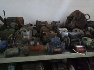 Моторы разные. 15уе. 1кв
