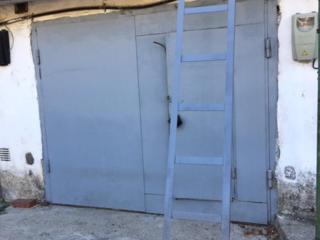 Лестница Scara продаю длиной 3 метра из уголка 50х50 мм