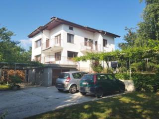 Большой дом с садом 2140 кв.м, Варна, Болгария, в 8 км от пляжаЦена ..