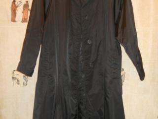 Продам женский новый плащ, костюм и платье