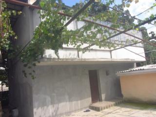 2-ух этажный котельцовый дом 176кв. м. на 2 сот земли в Кишиневе