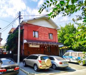 Se dă în chirie oficiu, amplasat pe str. Bernardazzi, divizat in 3 ...