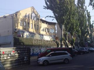 Se dă inchirie spațiu comercial amplasat pe strada Armenească,in ...