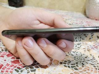 Продам телефон iPhone X