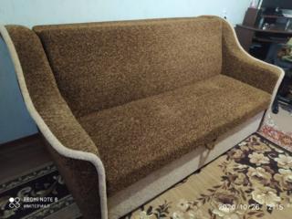 Продам диван в отличном состоянии. торг!