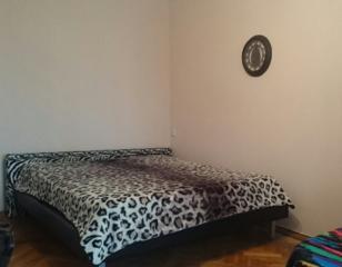 Обменяю 1-к квартиру (центр. р-н) в Киеве на жилье в Одессе