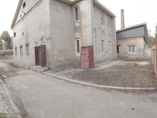 Продам помещение р-н пр. Петровского 300м2, участок 15сот.
