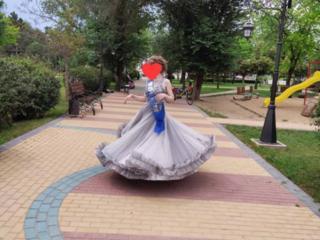Продам шикарное выпускное платье.